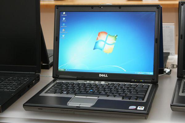 Dell Latitude D630 Core 2 Duo 2x2,0GHz 4GB RAM 120GB HDD WXGA DVD±RW